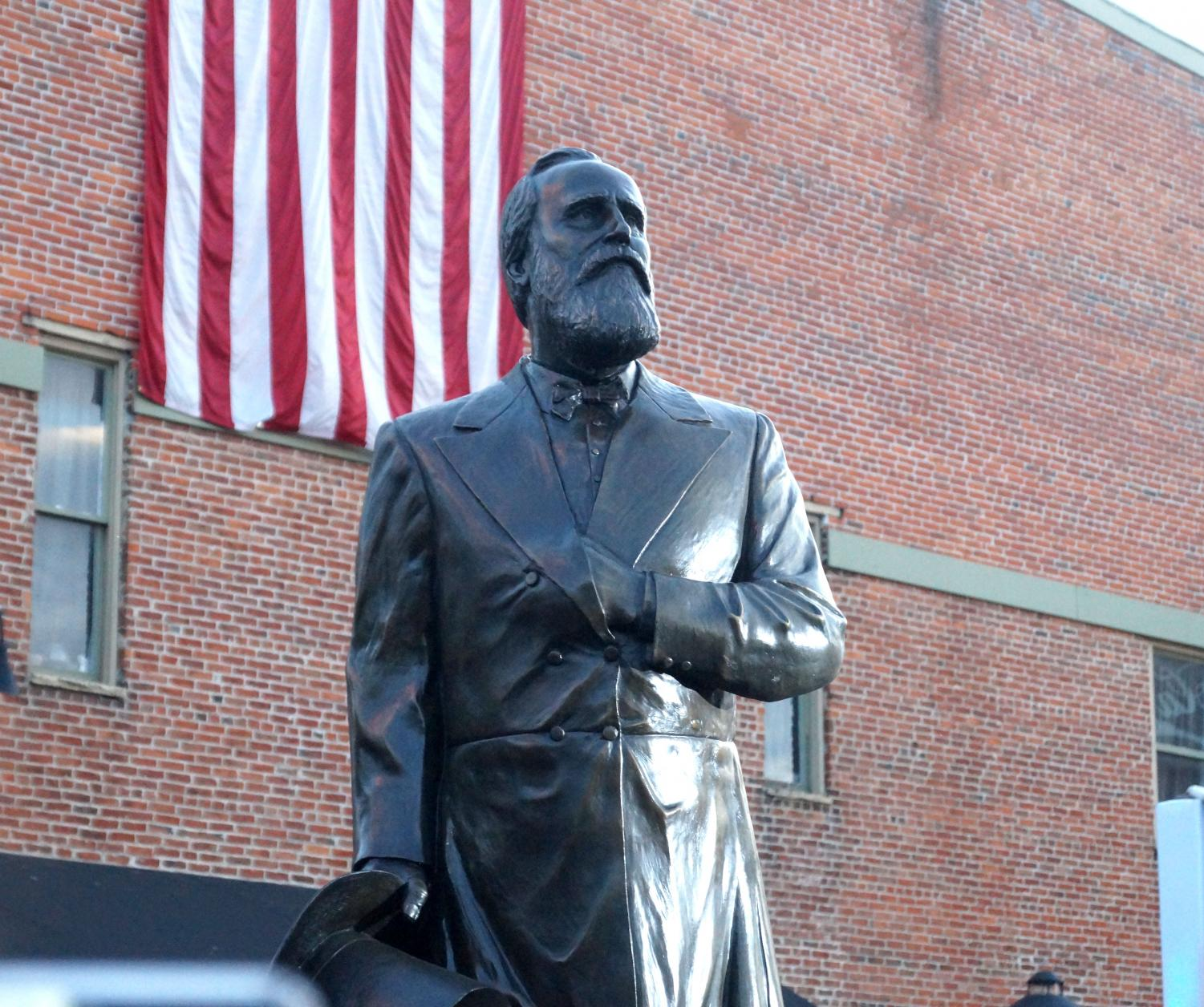 Delaware+Welcomes+the+Rutherford+B.+Hayes+Statue