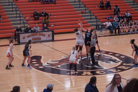 Lady Pacers basketball team defeats Hilliard Darby