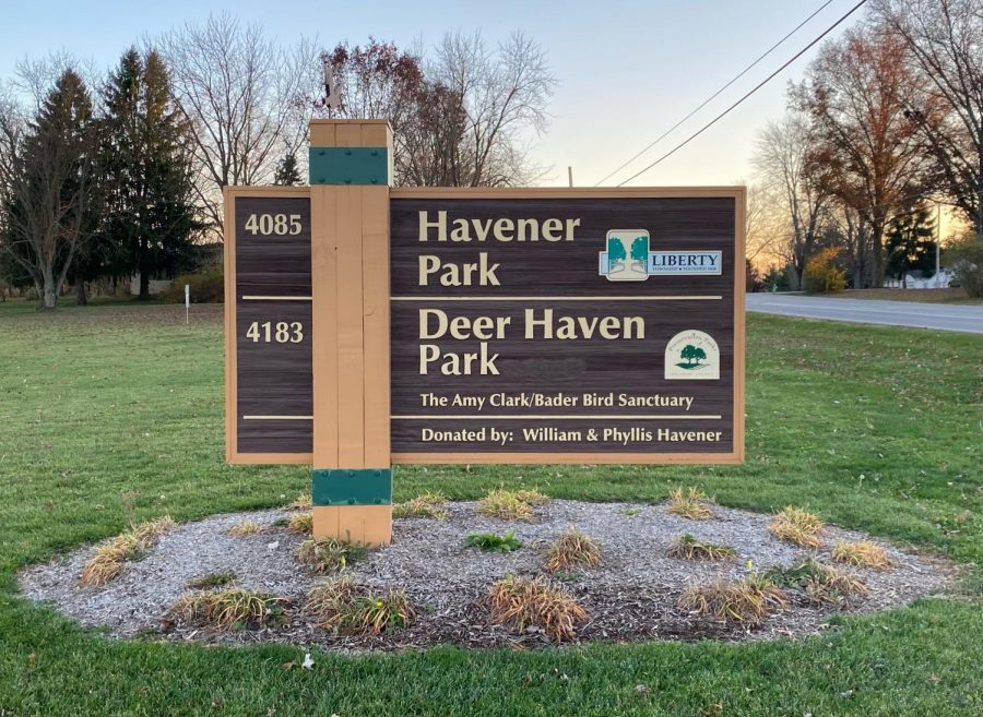 Photo of the Deer Haven park sign