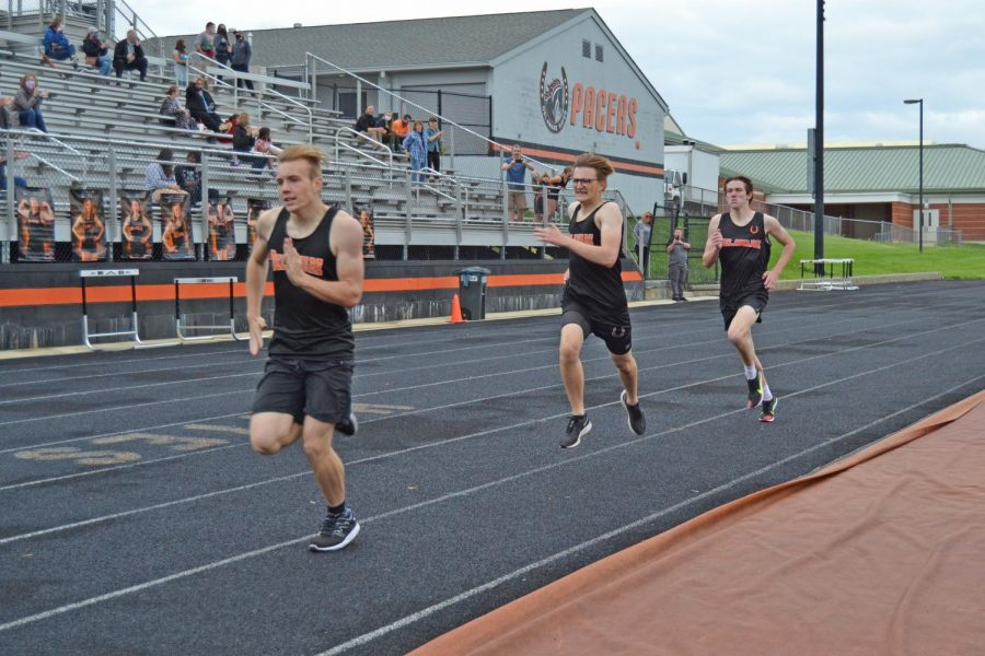 Hayes runners sprint last stretch of 800 meter run.