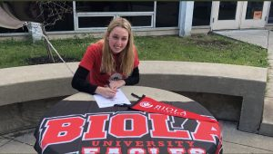 Meredith Keller signs for music performance