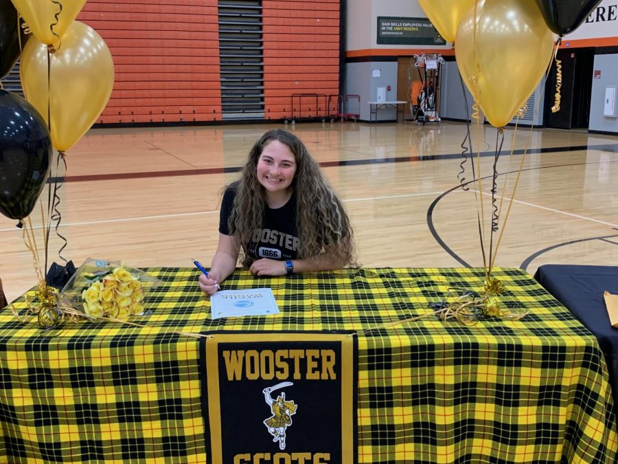 Senior Isabella McCloskey signed to play lacrosse at the College of Wooster.