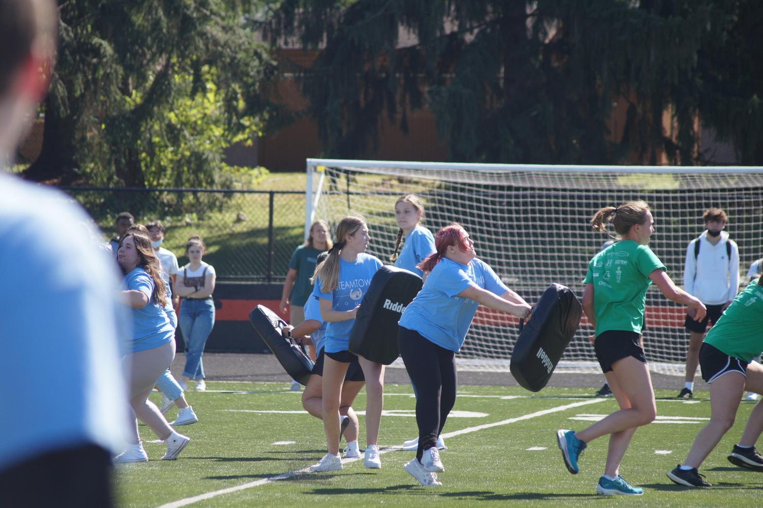 Houses+compete+for+powderpuff+championship
